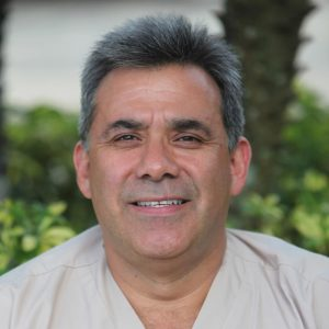 Dr Edgar Navarrete